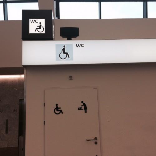 Barrierfrei und kinderfreundlich: der Wiener Flughafen.